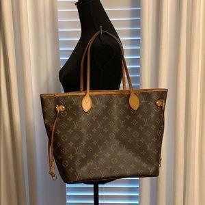 Auth Louis Vuitton Neverfull MM Bag w/Organizer!